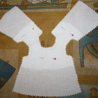 Скалываем детали сорочки